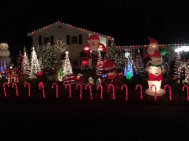 cul de sac end of endicar dr north side off titus west of culvergorgeous high end contemporary homes all decorated with lights awesome display